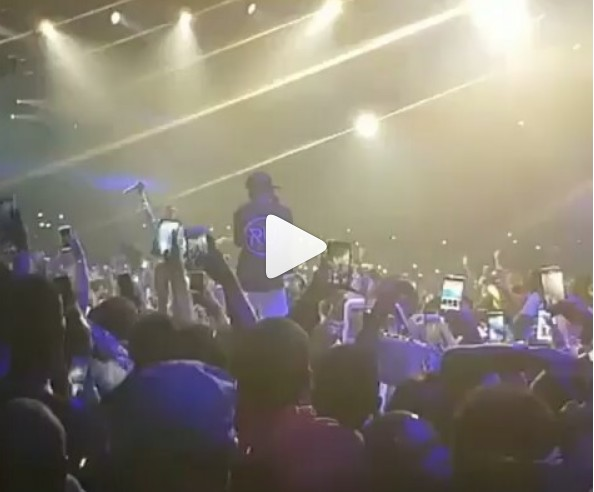 "BEEF SQUASH!!! WIZKID AND DAVIDO RECONCILE ON STAGE AS THEY PERFORM ""FIA"" TOGETHER 