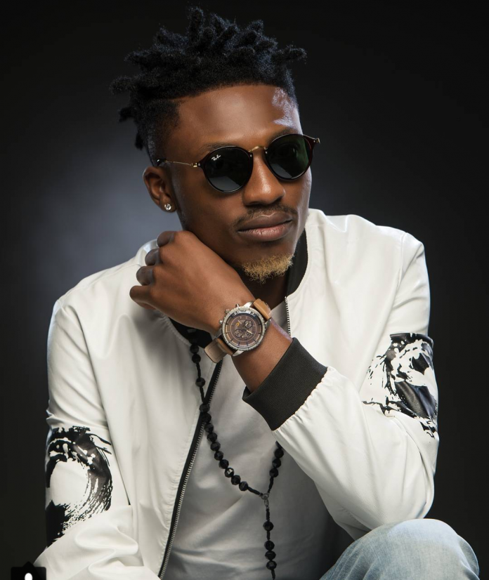 Efe Throws 'The Middle Finger' At Nigerians In New Diss Track