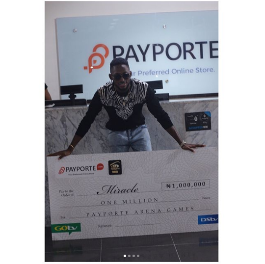 BB Naija 2018 Housemates Show Support For Miracle As He Receives His Prize From Payporte