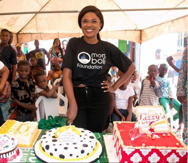Nollywood Actres Omoni Oboli Gives Back To The Society As She Sets Up A Soup Kitchen