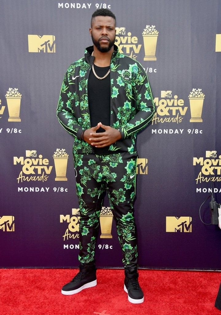 Black Panther Actor, Winston Duke Rocks Super Eagles 'Aso Ebi' To The 2018 MTV Movie Awards