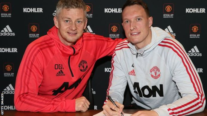 Phil Jones: Man Utd defender signs new contract until 2023
