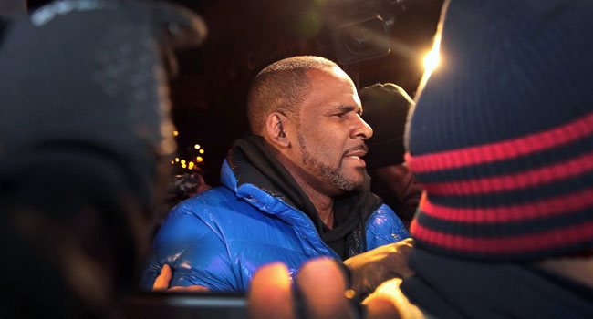 $1 Million Bail Set For Singer R. Kelly