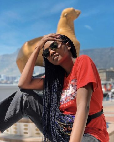 Simi Attacks Troll Who Condemns Her For Wearing Nose Ring