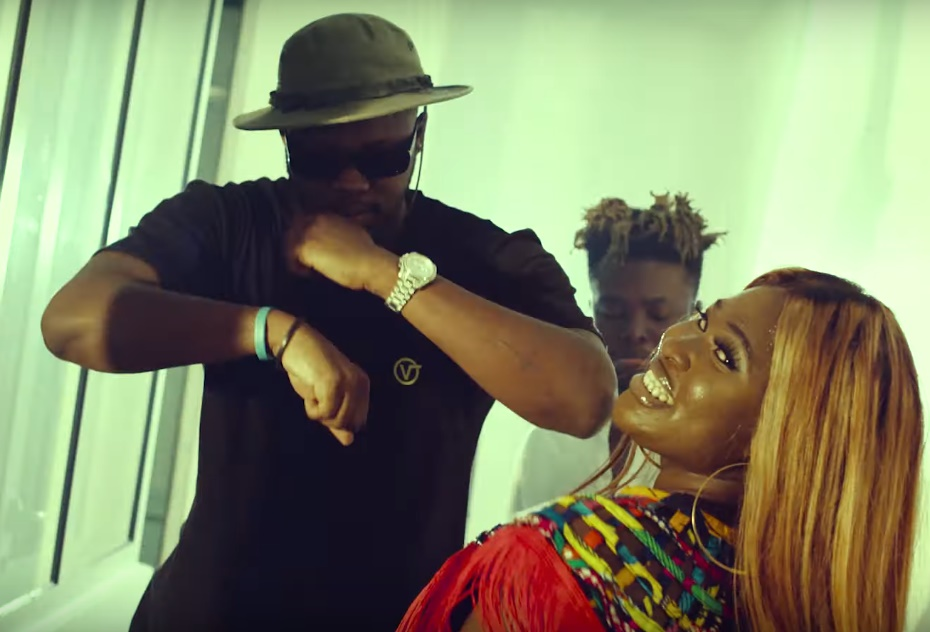 Video – Sista Afia Ft Medikal & Quamina MP – Weather