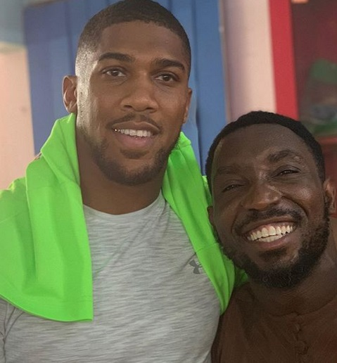 Timi Dakolo meets Anthony Joshua and his mother