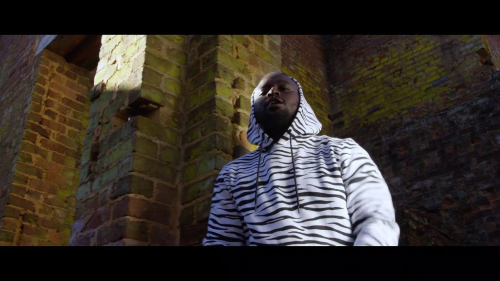 VIDEO: OmoAkin – San Tiago