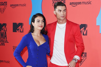 Ronaldo hits back at claims he's'secretly married' girlfriend