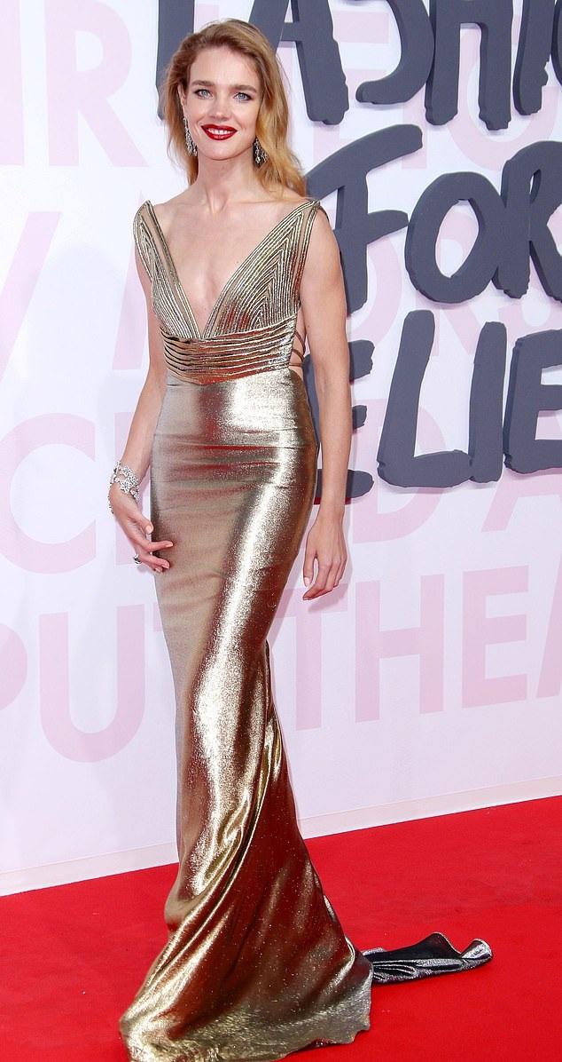Supermodel Natalia Vodianova to marry son of world's third richest man