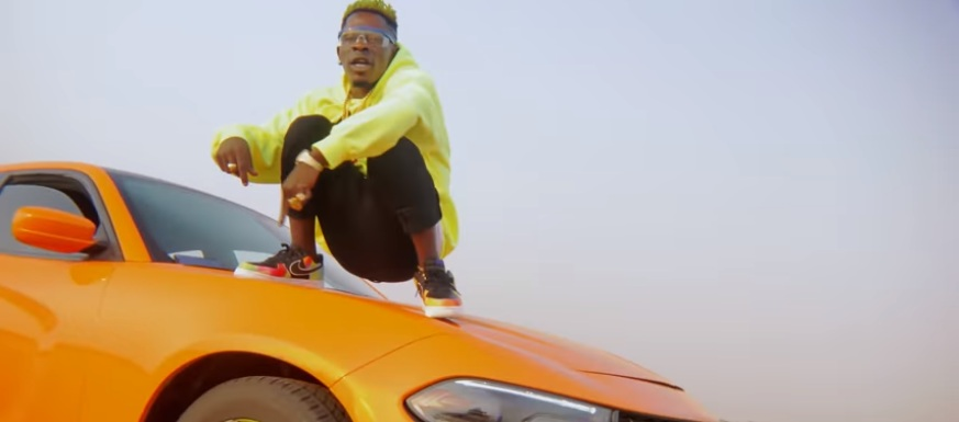 "Ghanaian singer ""Shatta Wale"" is on a ""Top Speed"" in new video"