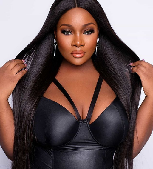 Toolz removes husband's name from bio raising fears her marriage has truly crashed