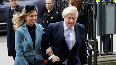 Boris Johnson and fiancee announce the arrival of their son