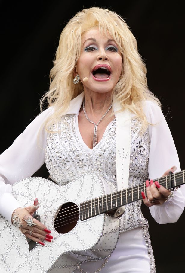 Dolly Parton donates $1million to find coronavirus cure