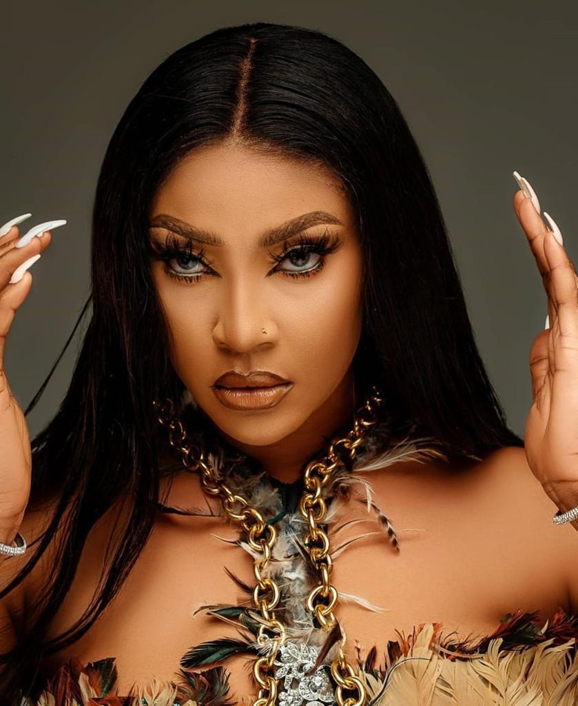 I Am Not Married, It's a musical video – Angela Okorie Breaks silence!