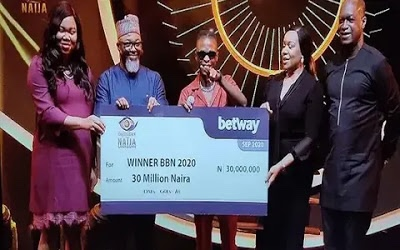 BBNaija: Laycon receives N30m cash prize, car & house key, others