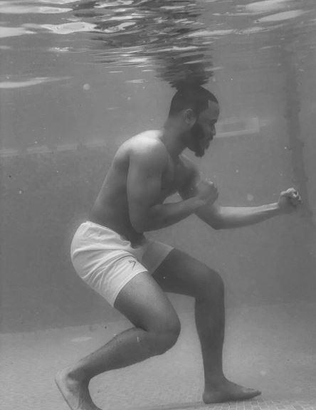 BBNaija star, Ozo recreates Muhammad Ali's Iconic pose