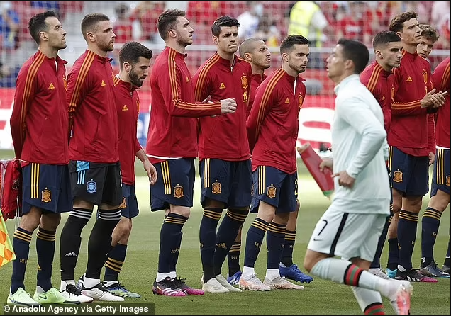 Spain's players to be vaccinated ahead of Euro 2020 opener after Sergio Busquets and Diego Llorente's positive Covid tests