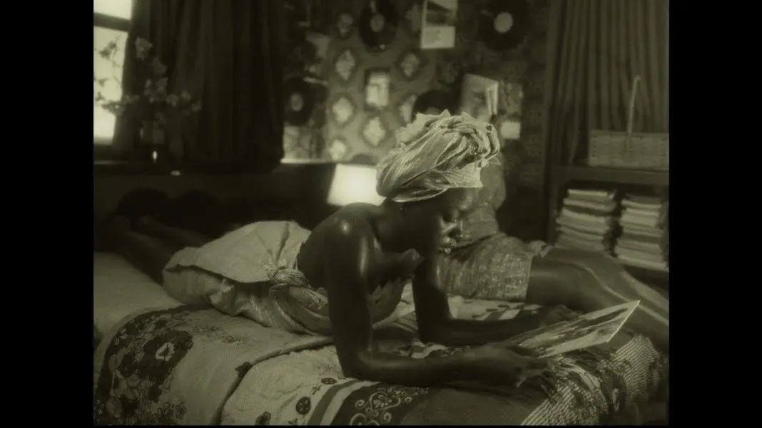 Nigerian highlife group ,  The Cavemen serves Selense visuals